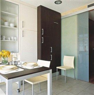 Seguridad y elegancia en el hogar puertas de cristal para - Cocinas con pared de cristal ...