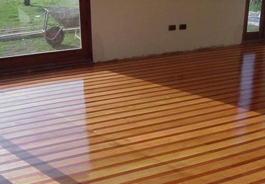 Pisos de madera for Tipos de pisos para exteriores