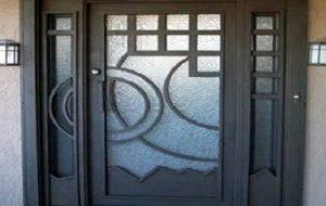 Puertas de hierro usadas en la vivienda y construcción